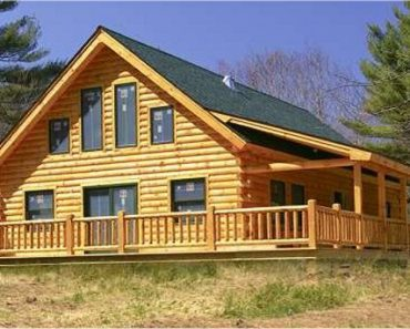 Log Home With Large Porch