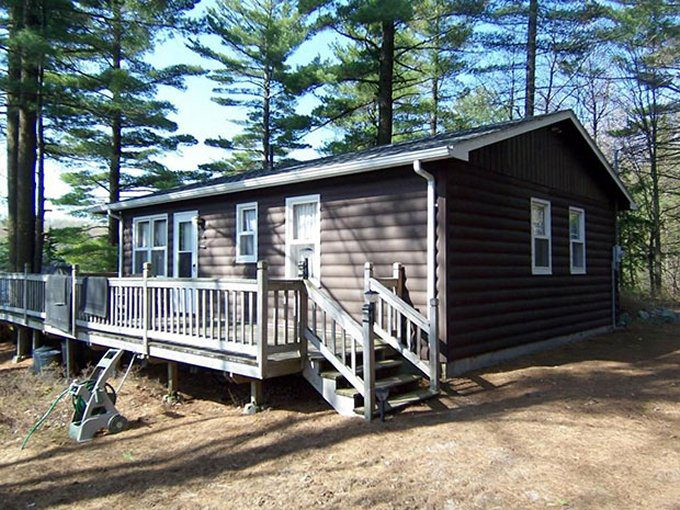 Lakefront cabin