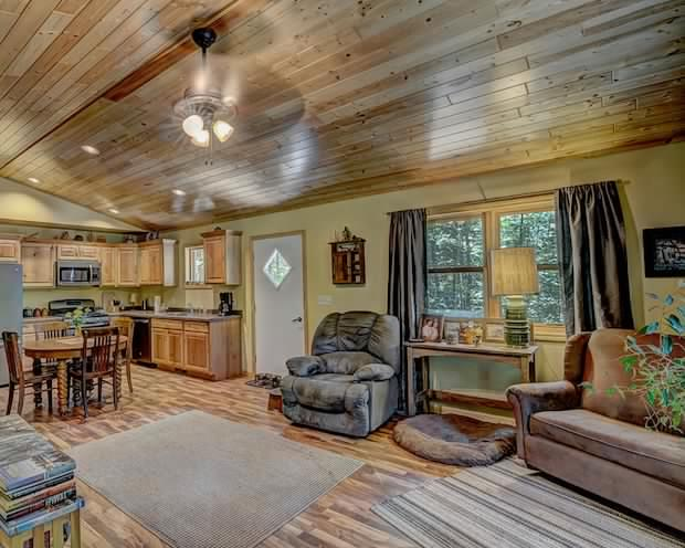 Nice Country Cabin For Sale